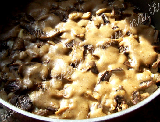 Giant beans and mushrooms gratin