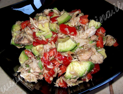 Avocado salad with Tuna