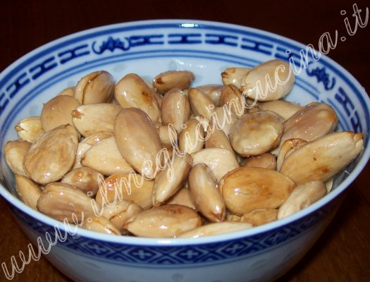 Salted almonds Snack