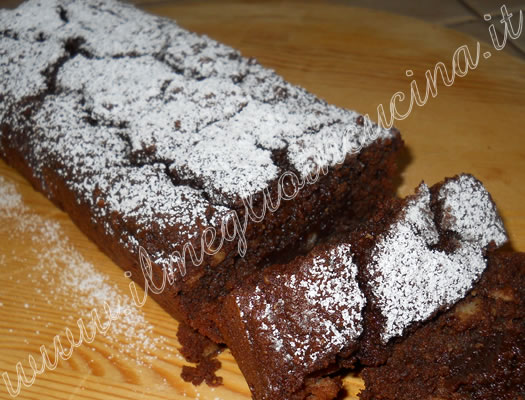 Bread plumcake with chocolate