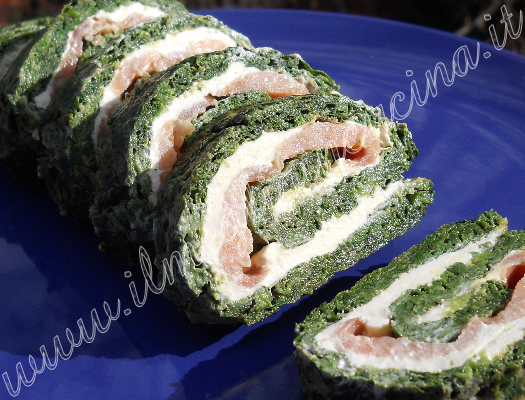 Rolled spinach omelette with salmon