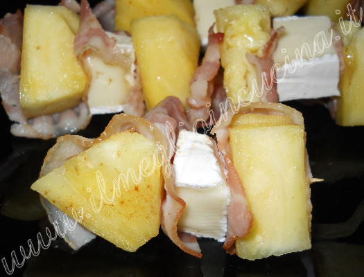 Pineapple and bacon skewers