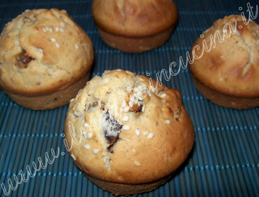 Dates and sesame muffins